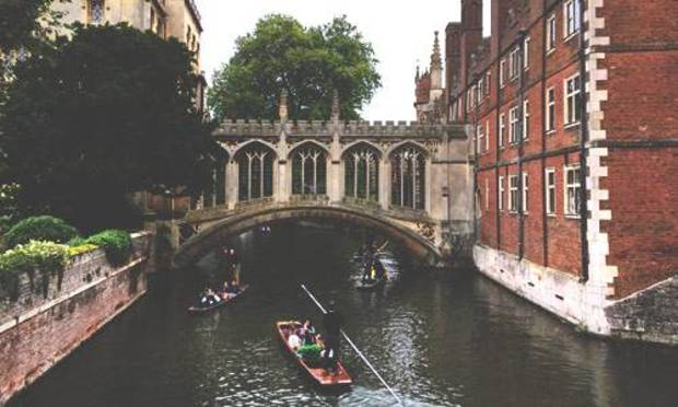 Cambridge Stag Party Ideas and Activities - Punting and Lesson