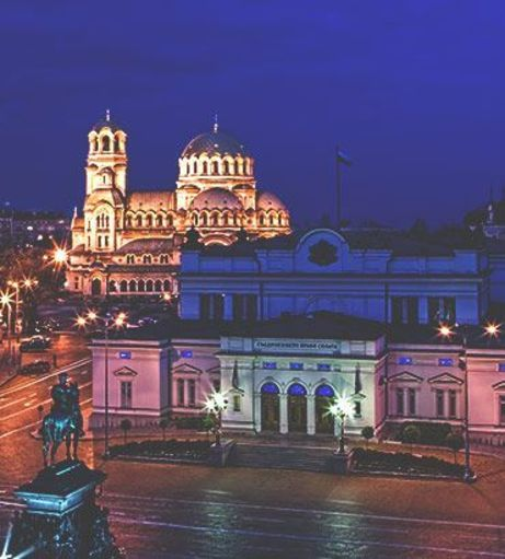 Skyline view of the St. Alexander Nevski Memorial Temple at night. Discover Sofia Stag Par
